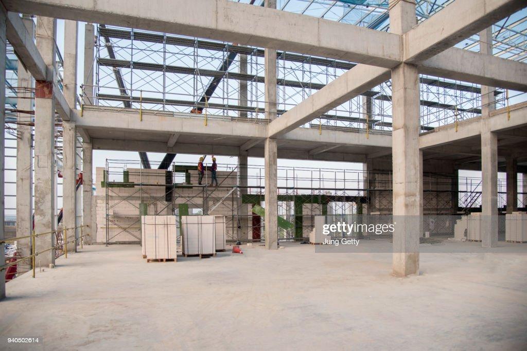 Concrete structure beam column slab epoxy floor : Foto de stock