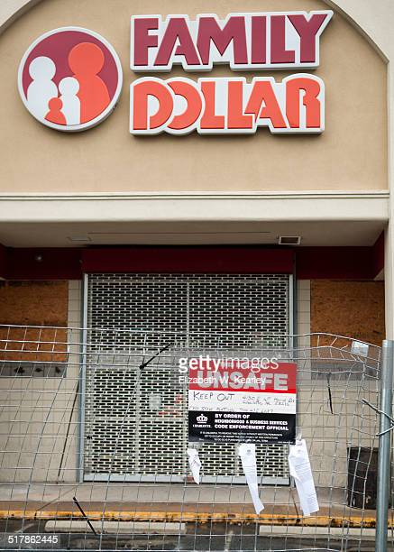 Condemned Family Dollar Photo taken October 3 2014