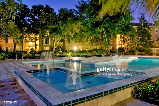 Condo by the fountain pool Evening