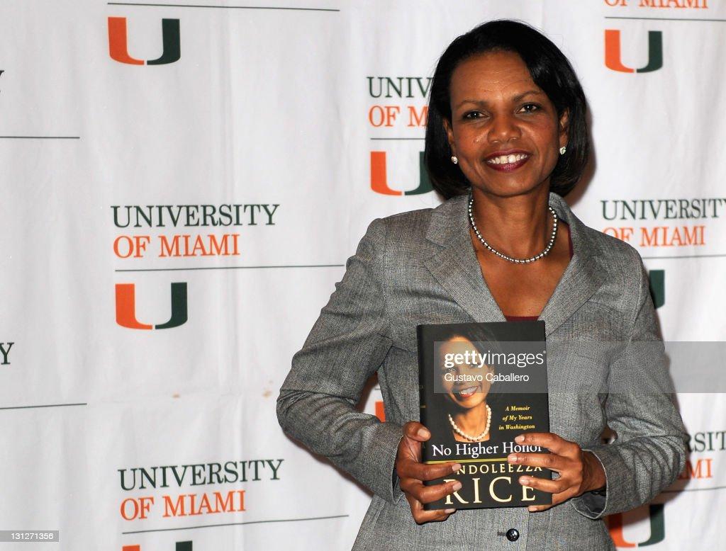 "Condoleezza Rice Discusses Her Memoir ""No Higher Honor"" : News Photo"
