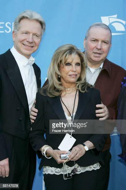 Conductor John Mauceri Nancy Sinatra and Frank Sinatra Jr pose at the Hollywood Bowl for the Sixth Annual Hollywood Bowl Hall of Fame Induction...