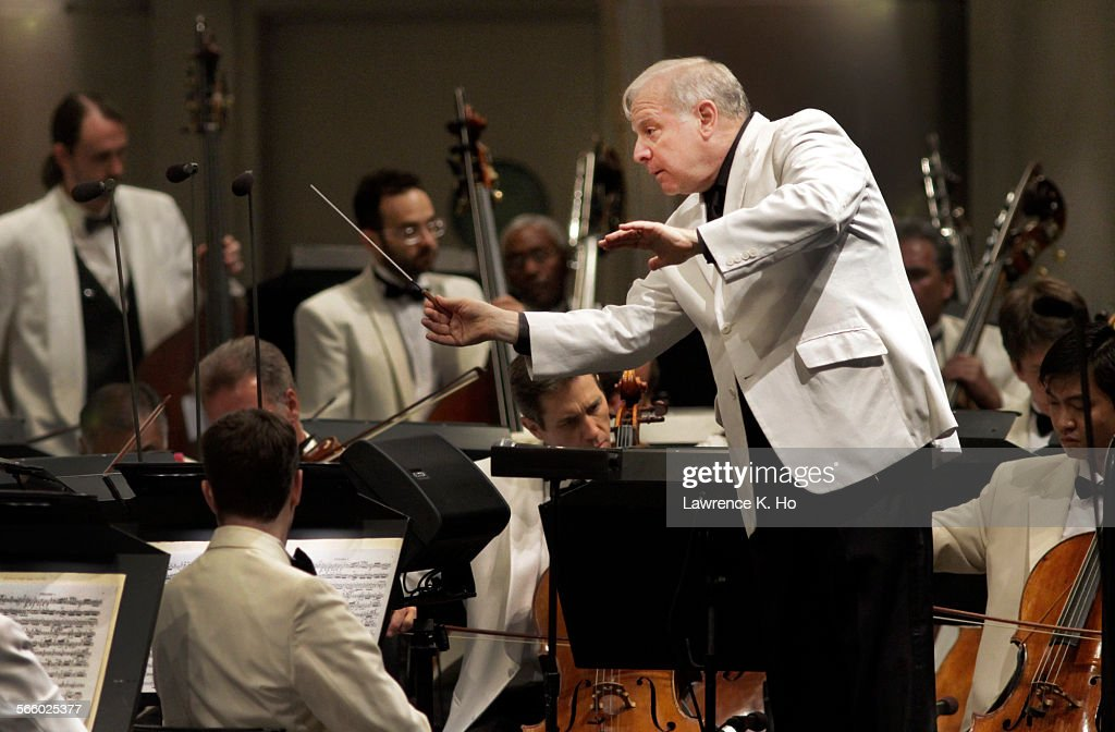 Conductor Leonard Slatkin opening the LA Phil's summer season at the Hollywood Bowl with Beethoven' : News Photo