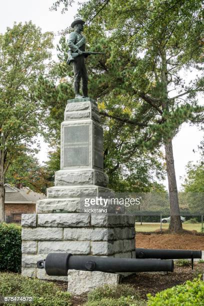 confederate civil war statue in fayetteville, north carolina - fayetteville north carolina stock pictures, royalty-free photos & images