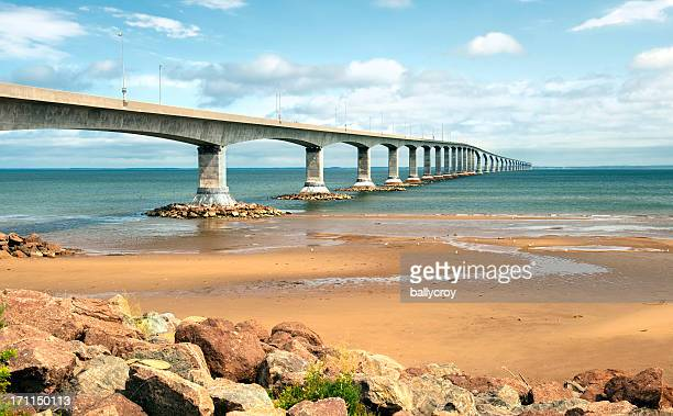 confederation bridge - atlantic ocean stock pictures, royalty-free photos & images