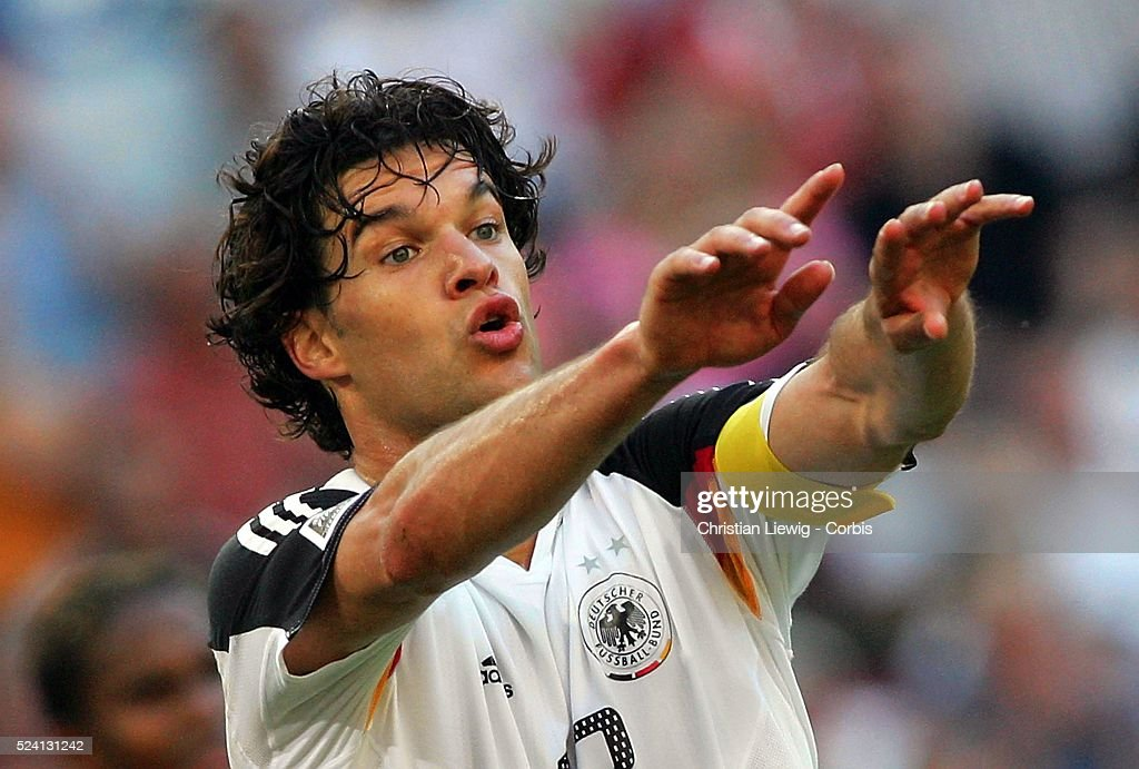 Soccer 2005 - FIFA Confederations Cup - Tunisia vs Germany : News Photo