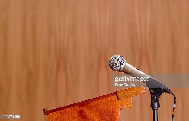 Conference microphone with dais