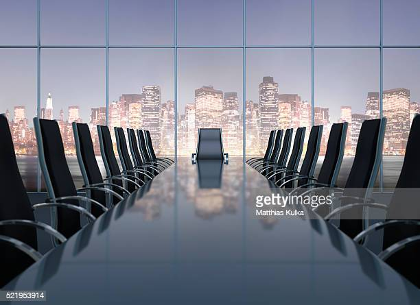 conference room with city skyline - konferenzraum stock-fotos und bilder