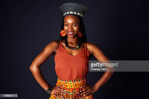 confidence lies in knowing who you are - zulu women stock pictures, royalty-free photos & images