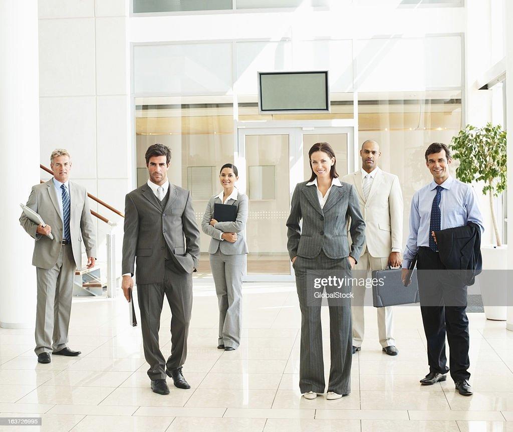 Confianza y las personas de negocios de éxito : Foto de stock