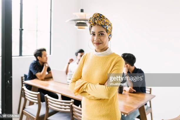 líder de seguros de negocios - malasia fotografías e imágenes de stock