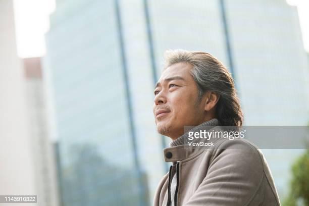 confident business man - prosperity stockfoto's en -beelden