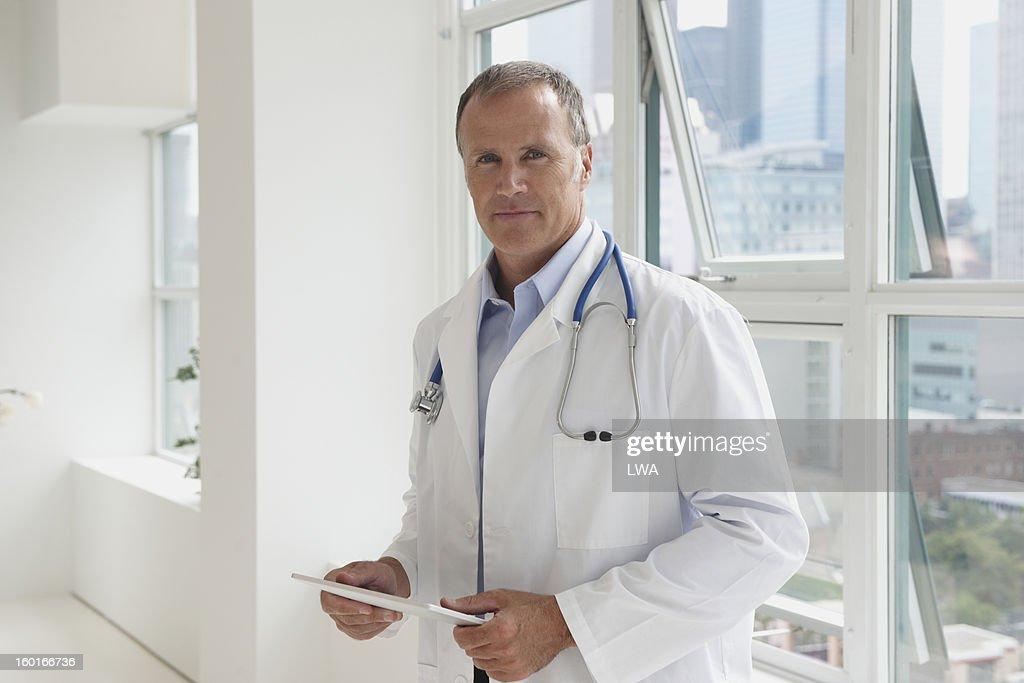 Confident doctor : Stock Photo
