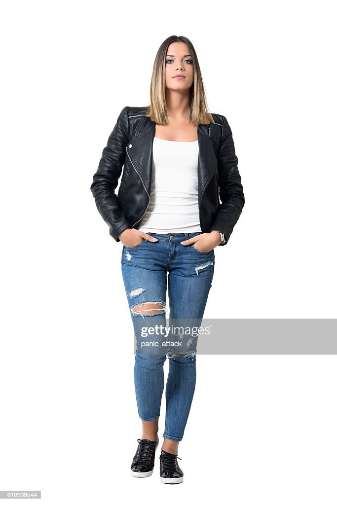 Confident gorgeous beauty in casual clothes with hands in pocket : Stock Photo