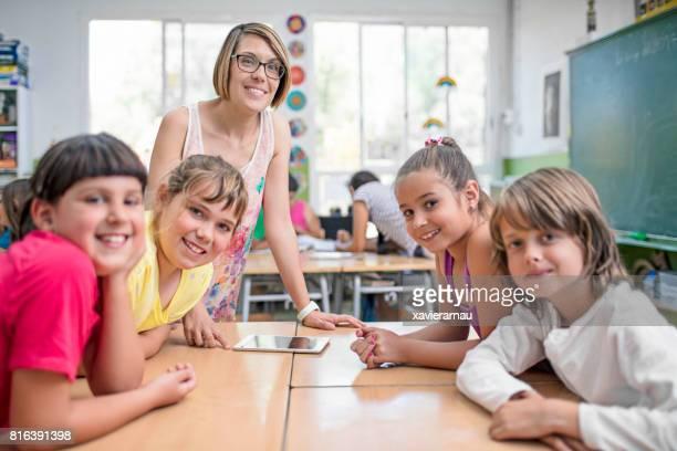 Seguros de profesor y alumnos en aula