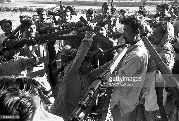 Conflict Between India And The West Pakistan The Birth Of Bangladesh La fin du conflit au Pakistan oriental opposant les Bengalis soutenus par l'Inde...