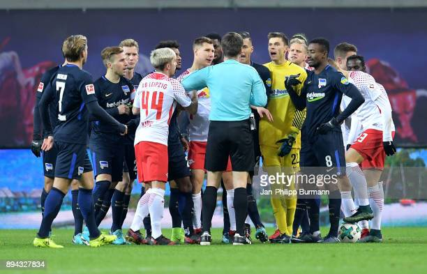 conflict during the game between RB Leipzig and Hertha BSC on december 17 2017 in Leipzig Germany