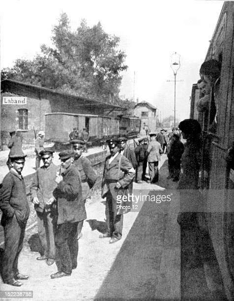 Conflict of Upper Silesia between Poland and Germany Passage of a French military train in a station occupied by Polish insurgents on the line from...