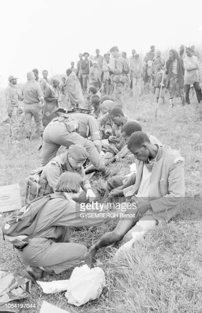 Conflit interethnique entre Hutus et Tutsis au Rwanda 30 juin 1994 les rescapés tutsis du génocide se sont réfugiés sur les collines de Bisesero sur...