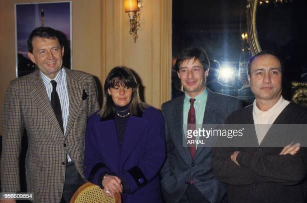 Conférence de presse de Patrick Sabatier en compagnie d'Etienne Mougeotte Dominique Cantien et Rémy Grumbach le 6 janvier 1988 à Paris France