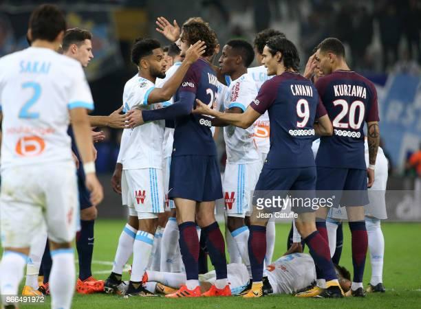 Confusion between players of OM and PSG Jordan Amavi Adrien Rabiot Bouna Sarr Edinson Cavani Layvin Kursawa when Lucas Ocampos of OM lies down...