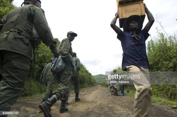 Congolese Army soldiers advance against Laurent Nkunda's National Congress for the Defence of the People CNDP rebel forces the morning after the...