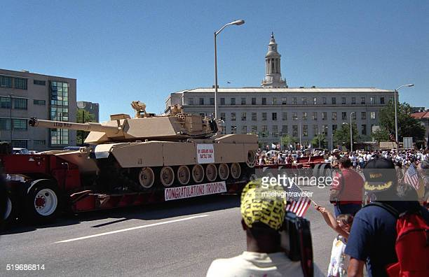 congratulations troops tank independence day parade downtown denver colorado - m1 abrams stock pictures, royalty-free photos & images