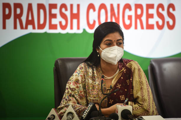 IND: Press Conference Of Congress Leader Alka Lamba Against Delhi Government