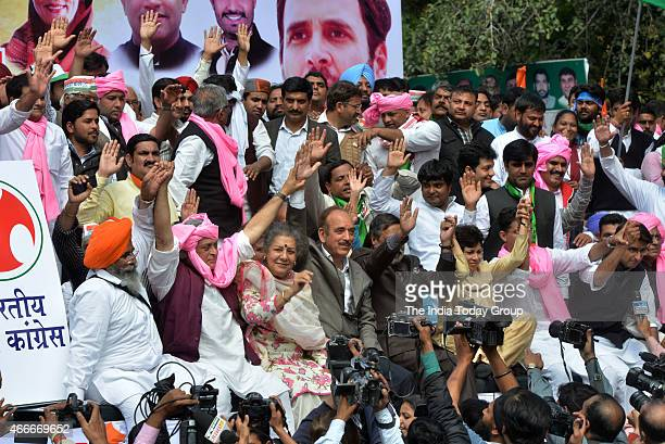 Congress Leader Jairam Ramesh Ambika Soni Ghulam Nabi Azad and Anand Sharma during protest over land acquisition bill at Parliament Street in New...