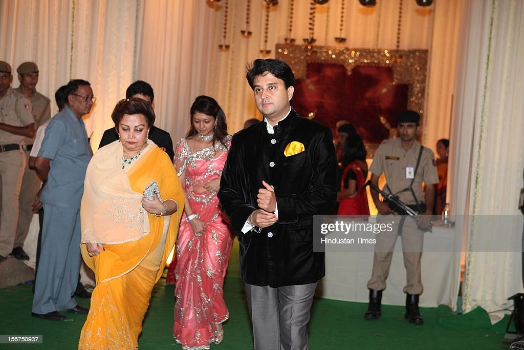 Saif Kareena Wedding Reception Pictures Getty Images