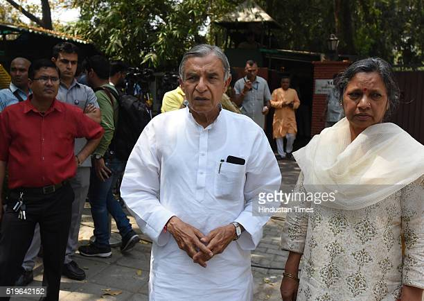Congress leader Pawan Bansal arrives to pay his respect to Kamla Advani wife of BJP leader LK Advani at his residence at Prithvi Raj Road on April 7...