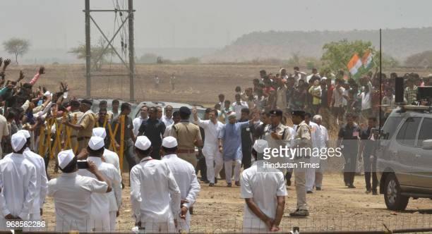 Congress president Rahul Gandhi with Jyotiraditya Scindia during 'Kisan Samriddhi Sankalp' rally in Pipliya Mandi at Khokhra on June 6 2018 in...