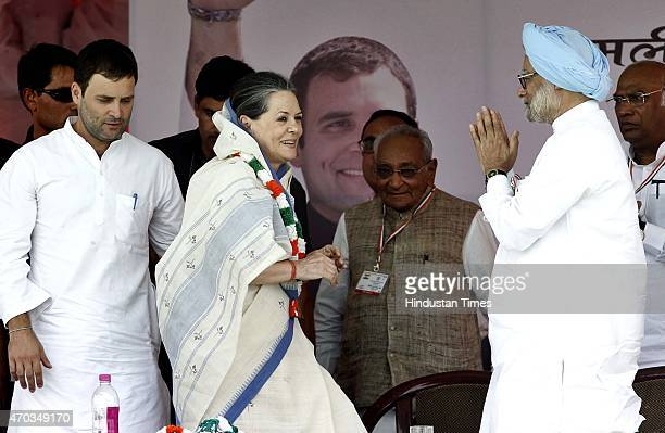 Congress President Sonia Gandhi Congress Vice President Rahul Gandhi and former Prime Minister Manmohan Singh during the farmers rally to galvanise...