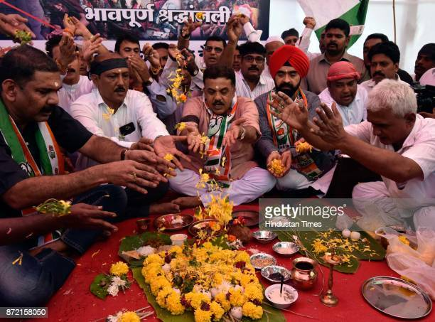Congress protest against 'AntiBlack Money Day' they even observed Condolence day for those who lost their lives during Demonetisation at Azad Maidan...