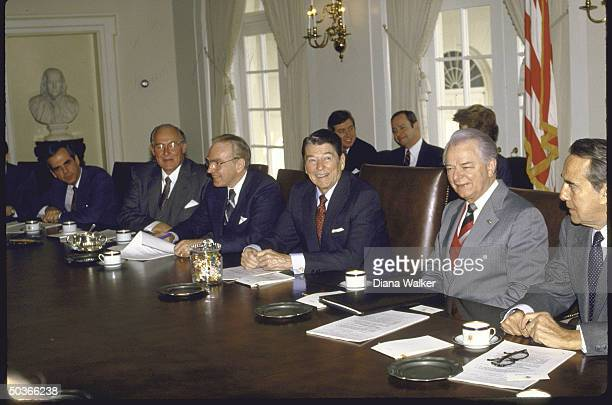 Congressional leadership Mtg with Pres Reagan in Cabinet Room including Sen Maj and Min ldrs Robert Byrd Bob Dole House Spkr Jim Wright Min ldr Rep...
