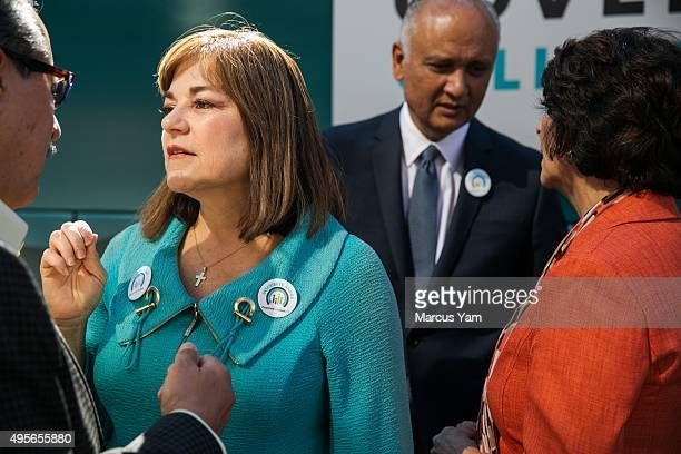 LOS ANGELES CALIF SUNDAY NOVEMBER 1 2015 Congresswoman Loretta Sanchez second from left mingles with before a photo opportunity after attending a...