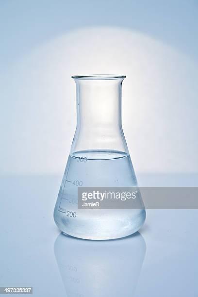 三角フラスコ、液体