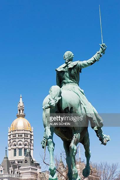 USA, Connecticut, Hartford, Capitol building statue