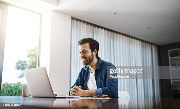 connecting with the business world anywhere, anytime - video conference stock pictures, royalty-free photos & images