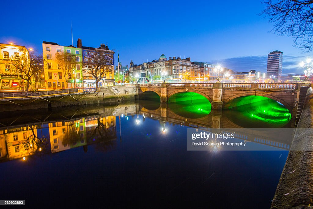 O'Connell Bridge at Dawn : Stock Photo