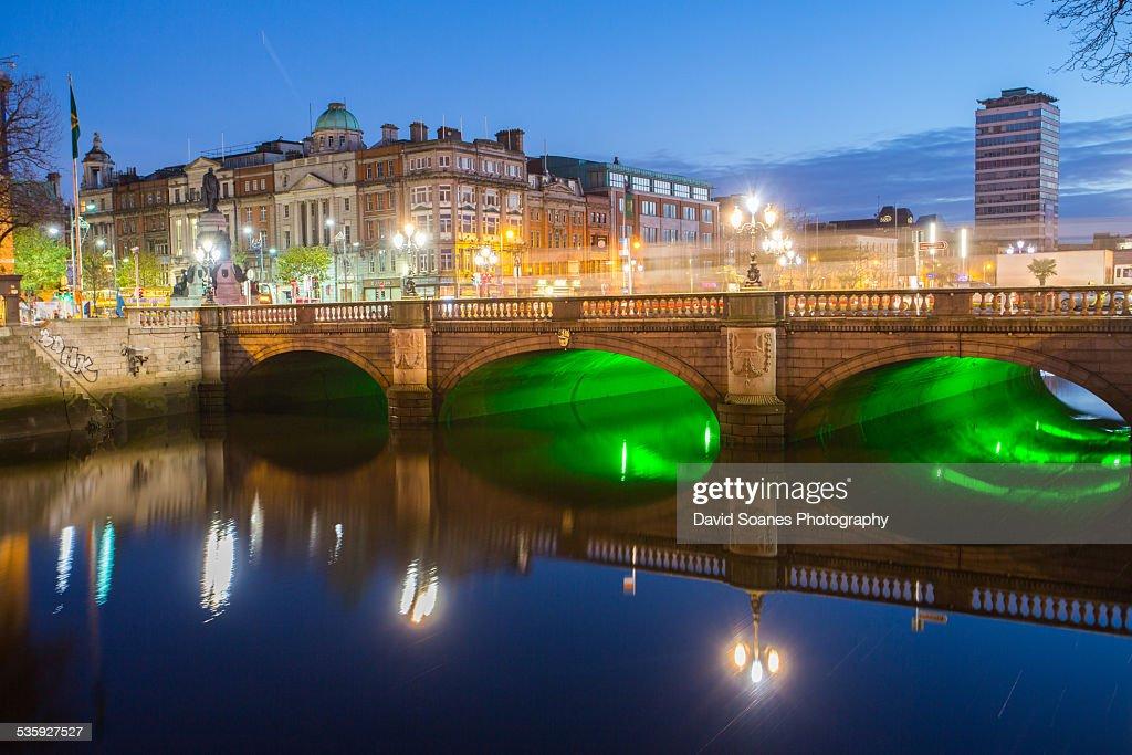 O'Connell Bridge at Dawn : Stock Photo