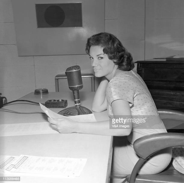 Connie Francis posed in radio studio 1959