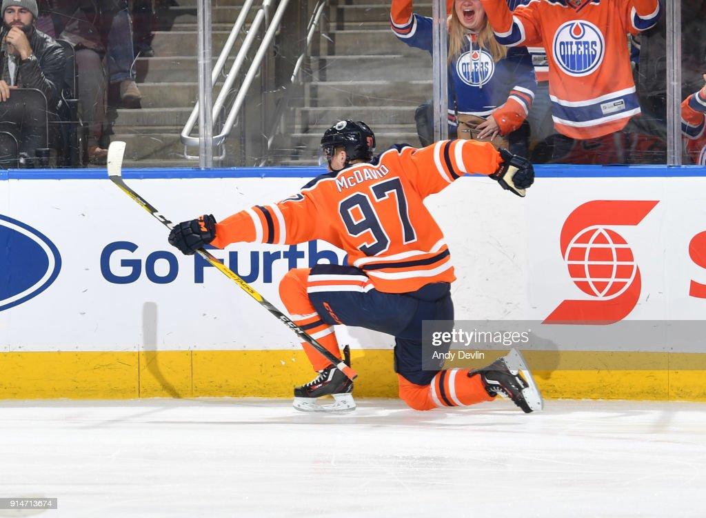 Tampa Bay Lightning v Edmonton Oilers : News Photo
