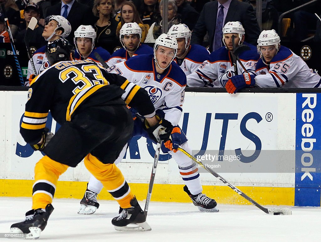 Edmonton Oilers v Boston Bruins : News Photo