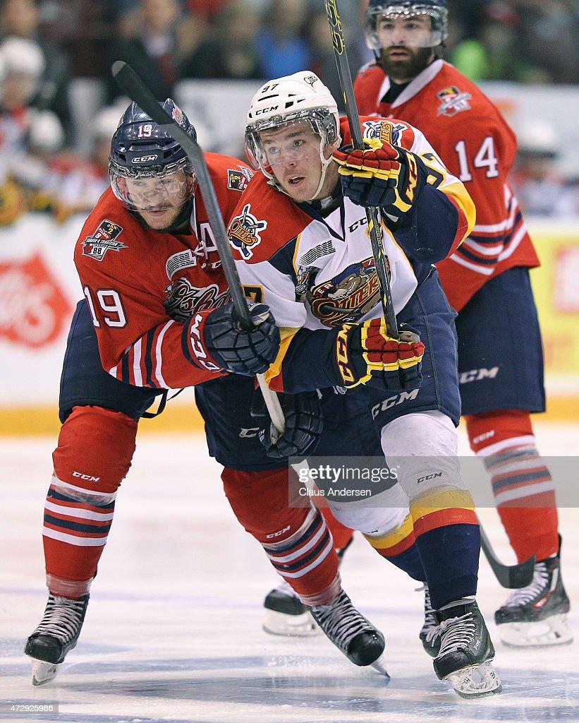 Erie Otters v Oshawa Generals - Game Two : Fotografía de noticias