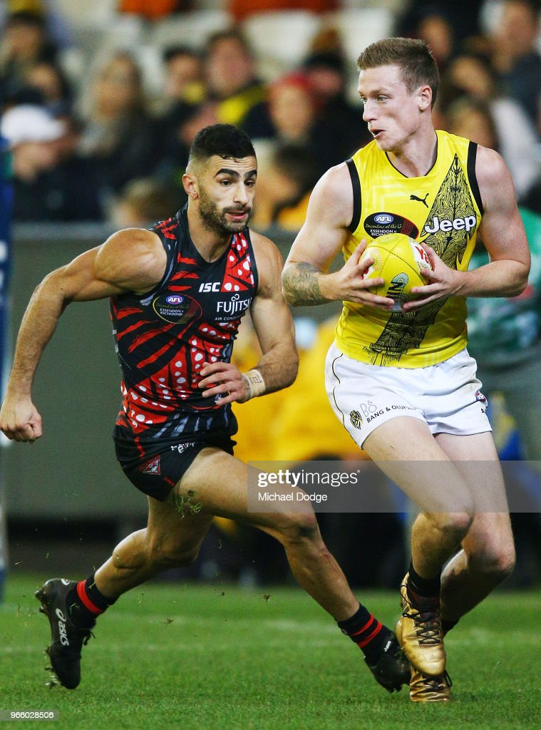 AFL Rd 11 - Essendon v Richmond : News Photo