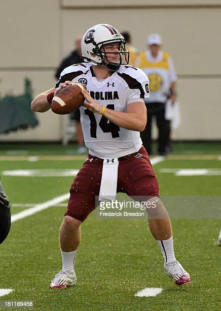 Connor Shaw of the South Carolina Gamecocks plays against the Vanderbilt Commodores at Vanderbilt Stadium on August 30, 2012 in Nashville, Tennessee.