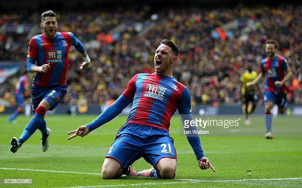 Connor Wickham of Crystal Palace celebrates as he scores their second goal with a header during The Emirates FA Cup semi final match between Watford...