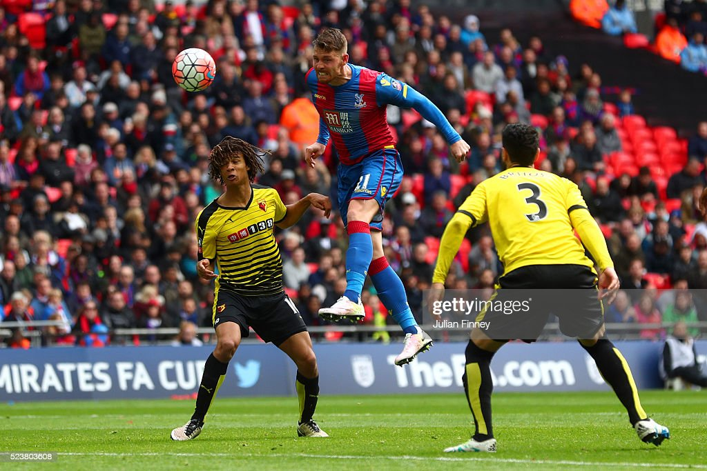 Connor Wickham of Crystal Palace (C) scores their second goal with a header during The Emirates FA Cup semi final match between Watford and Crystal Palace at Wembley Stadium on April 24, 2016 in London, England.