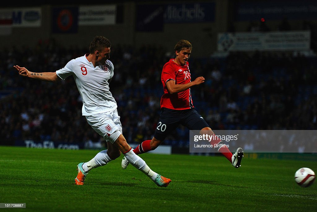 Connor Wickham of England scores the opening goal during the UEFA Under-21 EURO 2013 Group 8 Qualifier between England and Norway at Proact Stadium on September 10, 2012 in Chesterfield, England.