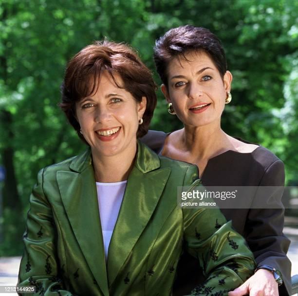 """Conny Hermann und Sibylle Nicolai stellen sich am 18.5.1999 in München als neue Moderatorinnen des ZDF-Frauenjournals """"ML Mona Lisa"""" vor. Ab dem 4...."""